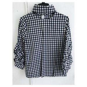 Gingham puffy ruffled sleeves blouse